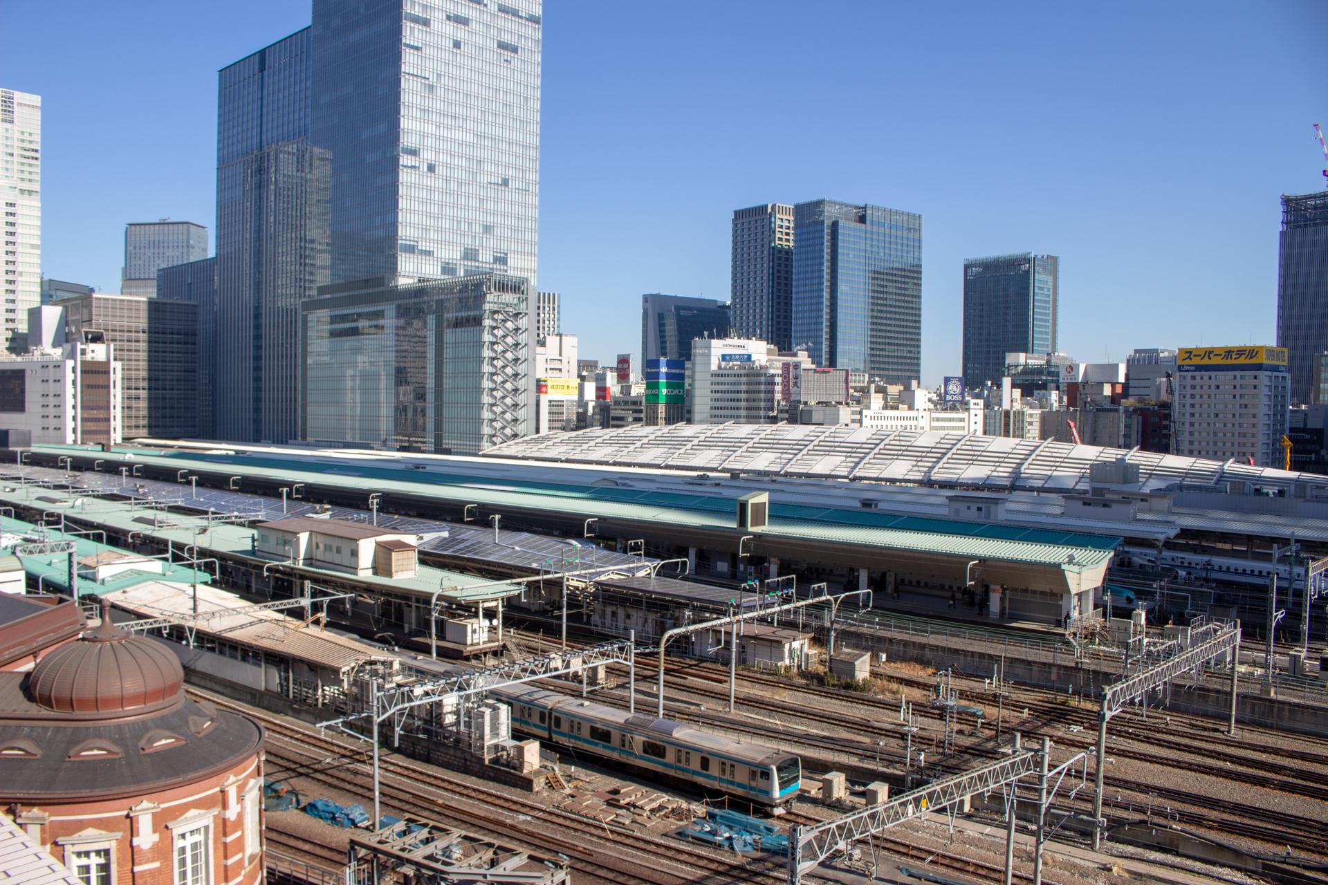 東京駅から発車する電車